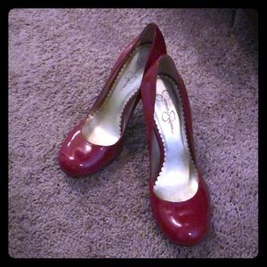 Jessica Simpson red round toe pumps